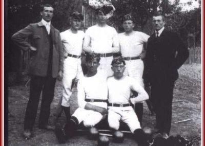 stehend v.l.: 1. Vorstand Adam Specht, Leo Rothermich, Otto Wüst, Franz Bolz, Anton Lieb. sitzend: Karl Bräutigam und Josef Muth